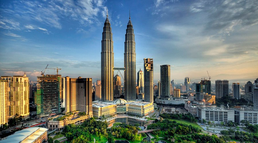 Башни-близнецы «Петронас» (Petronas Tower), Куала-Лумпур, Малайзия